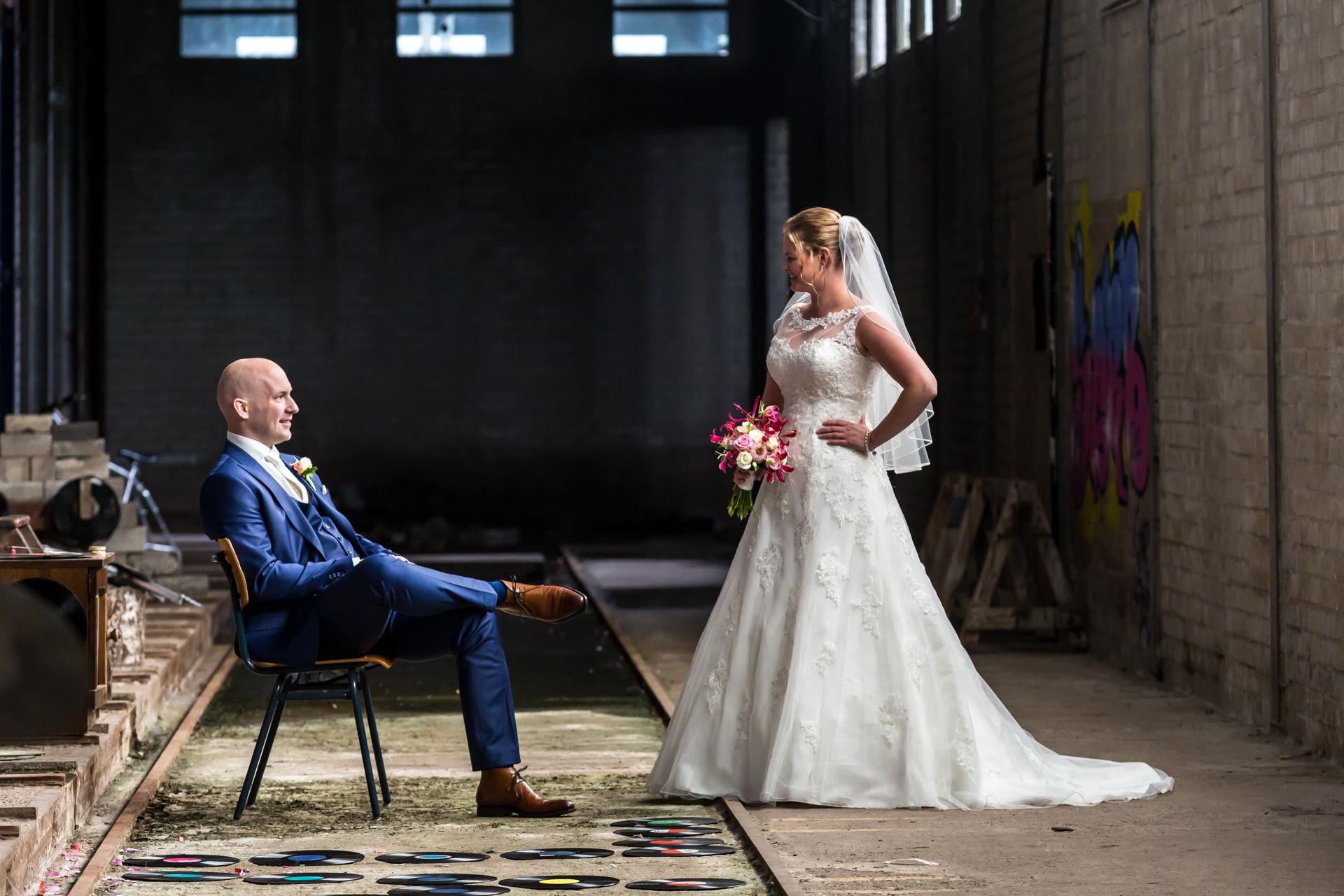 oude fabriek bruidsfoto
